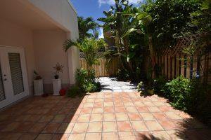 2945 center street patio